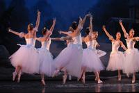 2006FA_Nutcracker_Snow46