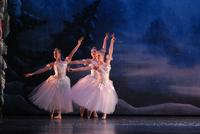 2006FA_Nutcracker_Snow40