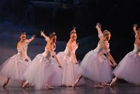 2006FA_Nutcracker_Snow30